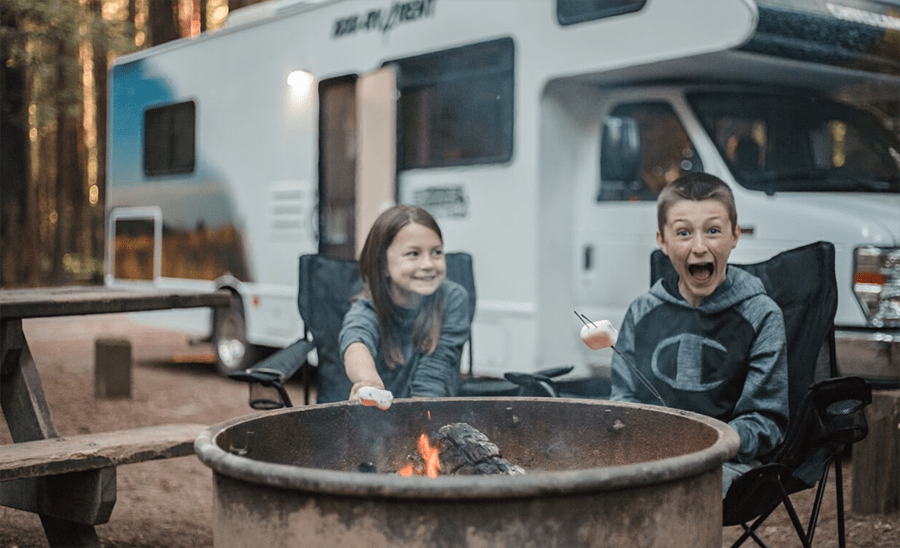 RV-rental_premade-camping-meals_family-camping.png